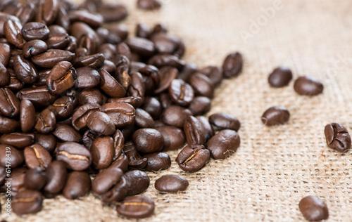 Fototapeta premium Sterty ziaren kawy