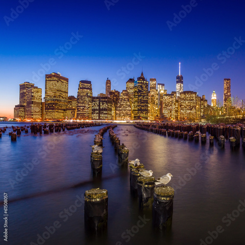 Photo  Manhattan Skyline with the One World Trade Center building at tw
