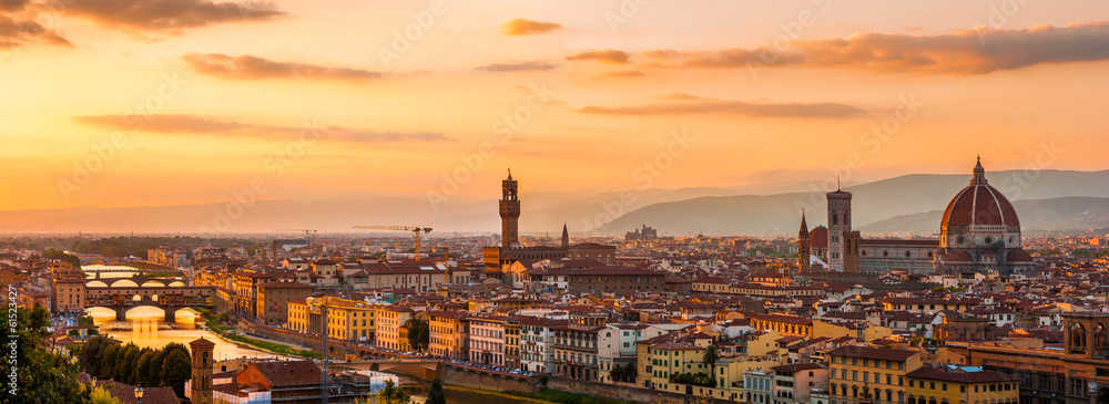 Fotografie, Obraz Panoramic view of the Florence city during golden sunset