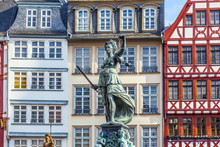 Statue Of Lady Justice In Fron...