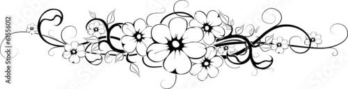 kwiat tatuaż