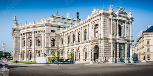 Burgtheater at famous Wiener Ringstrasse in Vienna, Austria