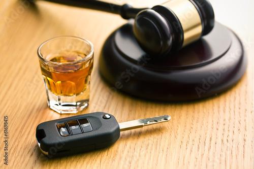 Láminas  Concepto para la ingestión de bebidas alcohólicas
