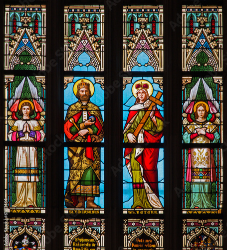 bratyslawa-st-stephen-i-ul-helen-okno-katedry
