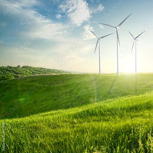 Fotografia  Generatory wiatrowe turbiny na zachód lato pejzaż