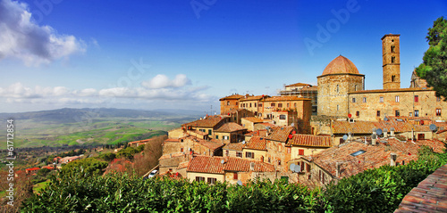 In de dag Toscane beautiful old Volterra - medieval town of Tuscany, Italy