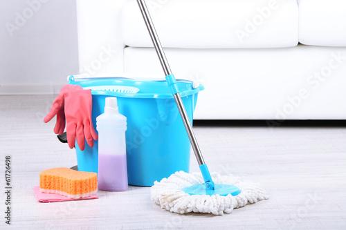 Obraz na płótnie Floor mop and bucket for washing in room