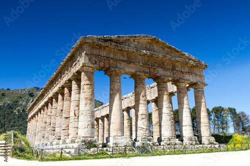 Fotografie, Obraz  Greek temple of Segesta