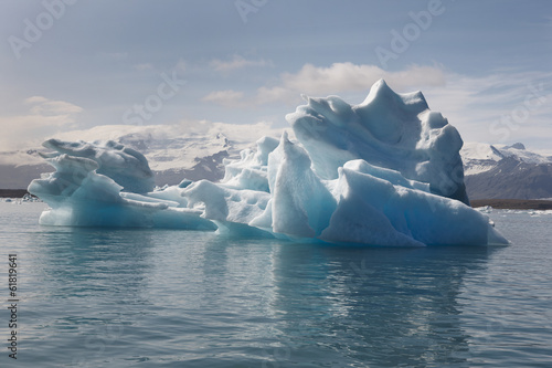 Papiers peints Arctique Iceland. Southeast area. Jokulsarlon. Icebergs and lake.