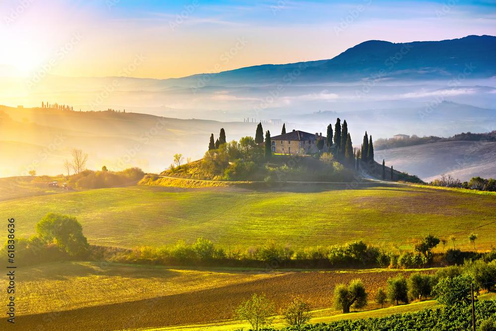 Fototapety, obrazy: Toskania o wschodzie słońca