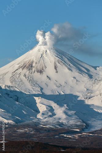 Tuinposter Vulkaan Landscape of Kamchatka: Avachinsky Volcano