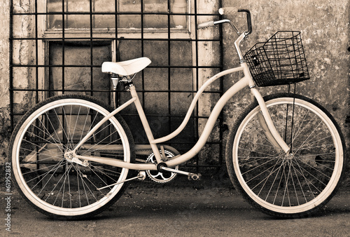 Aluminium Prints Bicycle Vintage bicycle with basket