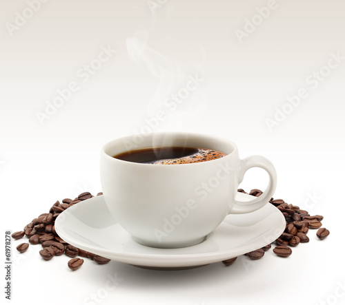 Foto op Canvas Cafe Coffee cup and beans on a white background (clipping path).