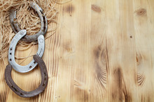 Hufeisen Auf Holzbrett