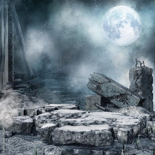 Fotografia  Nocna sceneria z ruinami miejskiego budynku