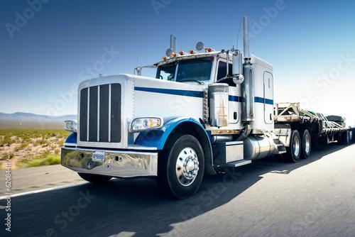 Obraz Ciężarówka i autostrada - fototapety do salonu