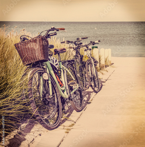 Tuinposter Fiets At the Beach
