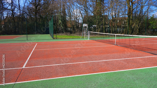Terrain de tennis en plein air - Buy this stock photo and explore ...