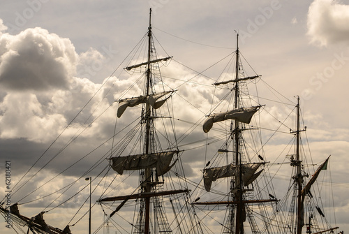 Valokuvatapetti Large mast of an old sailing ship
