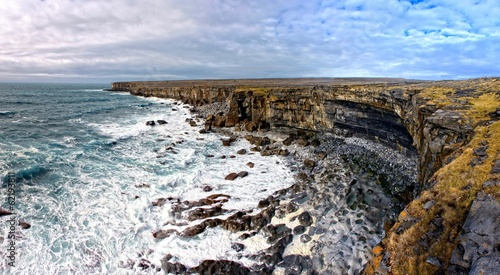 Photo Cliffs of Aran islands in Ireland