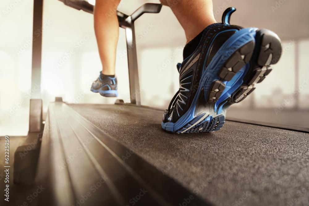 Fotografie, Obraz Running on treadmill
