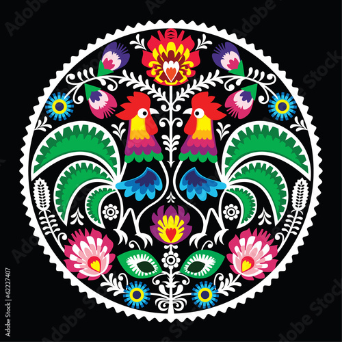 Photo Polish floral embroidery with roosters - traditional folk