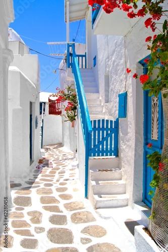 Fototapeta Beautiful white streets of Mykonos, Greece obraz