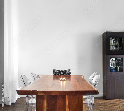 Cuadros en Lienzo Modern and Contemporary dining room table and decorations.