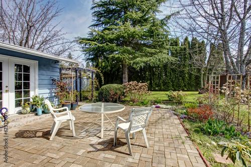 Fotobehang Tuin View of backyard patio area