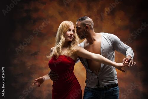 fototapeta na szkło Młoda para tańczy Karaiby Salsa