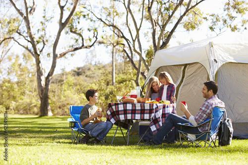 In de dag Kamperen Family Enjoying Camping Holiday In Countryside
