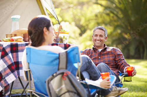 Poster Kamperen Couple Enjoying Camping Holiday In Countryside
