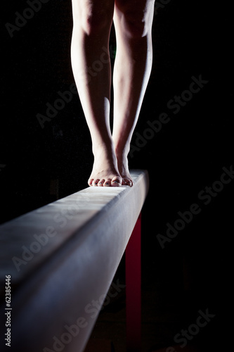 Fotomural  feet of gymnast on balance beam