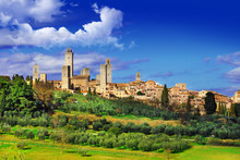 View Of  San Gimignano - Medie...