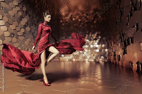 Plakat  Glamorous woman with wavy dress