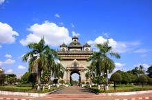 Victory Gate Patuxai, Vientian...