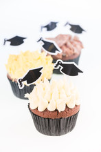 Graduation Cupcakes With Morta...