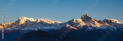 In de dag Nepal Sunrise on Annapurna mountains - Himalaya