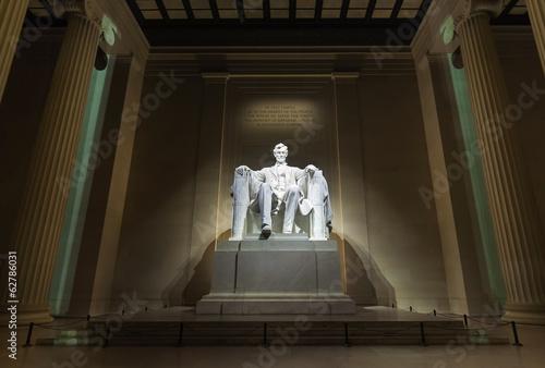 Fotografia  Denkmal von Abraham Lincoln bei Nacht, Washington D.C.