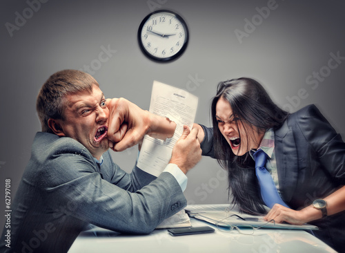 Cuadros en Lienzo Mad fight of business people in office
