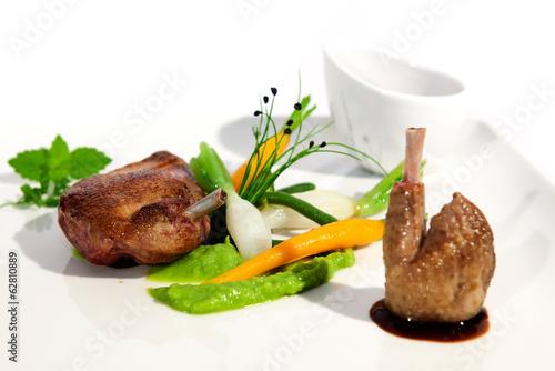 Fotografie, Obraz  Plat de gastronomie au pigeon