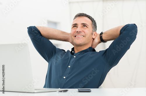 Deurstickers Ontspanning Relaxed Man Daydreaming