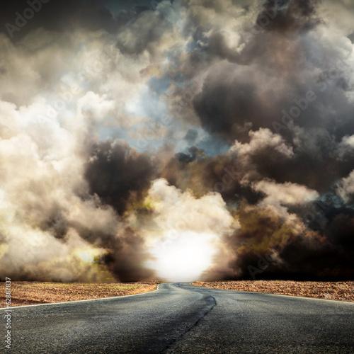 Photographie strada nella tempesta
