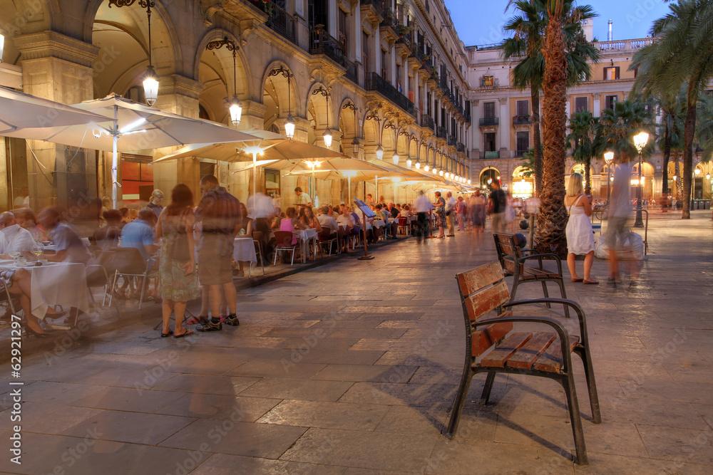 фотография  Placa Reial, Barcelona, Spain