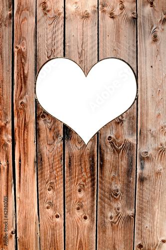 serce-wyciete-w-deskach