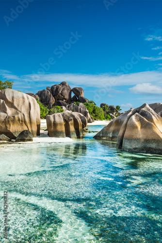 Fotografering Anse Sous d'Argent beach with granite boulders