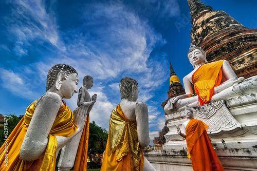 Photo Buddhas at Wat Yai Chai Mongkhon temple. Ayutthaya, Thailand