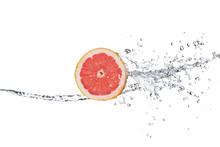 Slice Of Grapefruit In Water S...