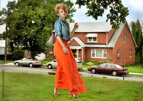 Fényképezés  Girl in long skirt outside