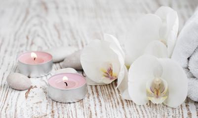 Fototapeta Spa zestaw z białą orchidee